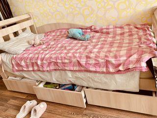 2 paturi single pentru copii/adolescenți