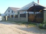 Vind casa in suburbia Chisinaului