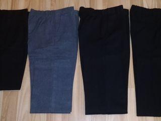 Джинсы и брюки школьнику в отличном состоянии