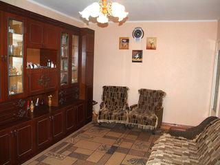 Центр на Албишоара продается 2-х комнатная  монолит очень устойчивый