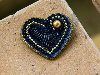 Broșe din biser și cristale swarovski. Cadou de 14 februarie
