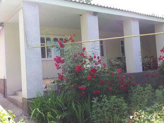 Vind casa buna cu toate comunicatiile in satul Gauzeni, r-nul Soldanesti