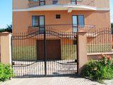 Сдаётся в элитном доме ,apartament modern la o vila cu gradina privata,parcare subter