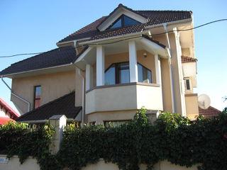 Se vinde Casa 400m2, teren 10 ari, bazin, sauna... in sect.Centru