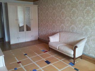 De vînzare apartament str. Alexandru cel Bun intr-o zonă liniștită!