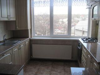 Apartament cu 2 odai in chirie,Ialoveni Centru