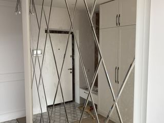 Oglinda pe perete romb forme fateta