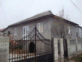 Casa Ialoveni - Milestii Mici, 90m,8 ari teren, toate comunicatiile - 33000 Euro