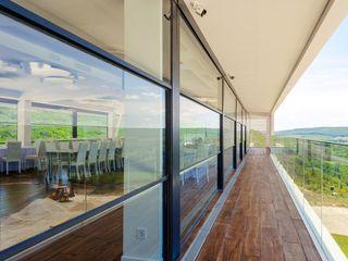 Geamuri panoramice (automatizate)   Панорамные окна (автоматизированные)