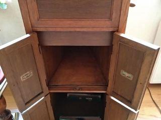 Антикварный патефон The Gramophone Company LTD начала 20 века.