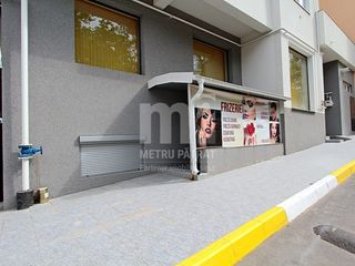 Spre vînzare spațiu comercial pentru frizerie, în bloc nou !! Buiucani, str. N. Costin
