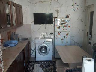 Se vinde apartament cu 3 camere,71 m2, etajul 9 din 9 , seria 143, regiunea Lapaevka !!!!!!!!