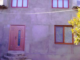Casa cu doua etaje, gospodarie in Ciutulesti pe 20ari