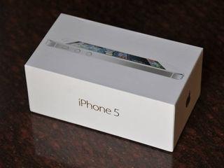 Новый iPhone 5 16Gb (Белый/Чёрный)