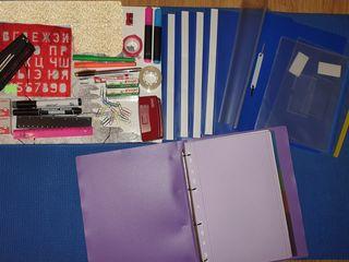 Канцелярские принадлежности-пинал, папки, степлер,маркеры,линейки,точилки и т.д