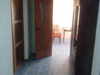 Apartament cu 2 camere in centrul orasului Floresti,euro reparatie. Bloc locativ nou, bine asezat .