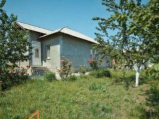 Colonita! Se vinde casa cu 1 nivel, 86 m.p. situat pe 10 arii de pamint! 63 900 €