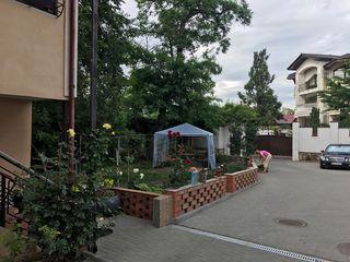 Продаётся 2- х комнатная квартира  с индивидуальным дизайном ,в центре Кишинева .