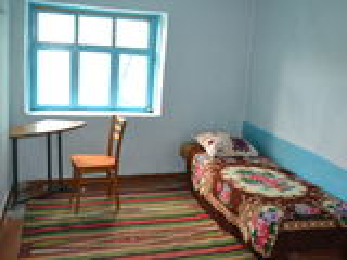 Se vinde casă de locuit 30 ari pământ. În Hîncești s.Stolniceni . Sau schimb pe automobil.