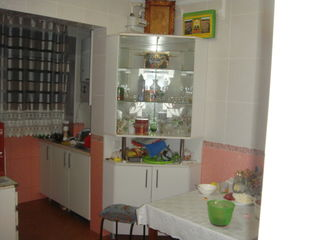 Apartament cu 3 camere cu euroreparatie