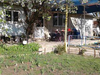 Casa in s.Dolinnoe,Criuleni cu suprafata totala 85 m2, pe teren de 15 ari cu comoditati !