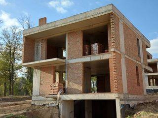 """Casa 3 nivele, varianta alba, teren 5 ari - Complex rezidential """"Poiana Pinului"""""""