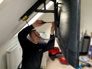 Vind Suporturi pentru TV fixe si reglabile, Cronsteine tv, Fixatoare pentru TV, instalare TV