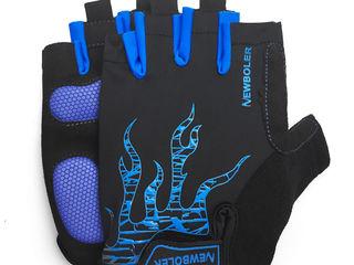 Очень классные перчатки для велоспорта, размер М (8-9 см ладонь)- есть одна пара - 250 лей Для профе