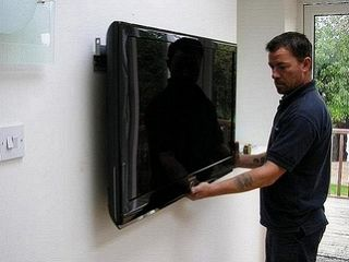 Мастер. Монтаж телевизоров LCD, LED, PLASMA на стену. Качественно. Кронштейны для телевизоров.