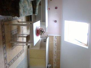 O  parte din casă cotedj  cu 2 camere şi parcare