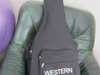 Husa. Чехол для гитары (утеплён, зима) акустика 180лей и классика 180. Husa