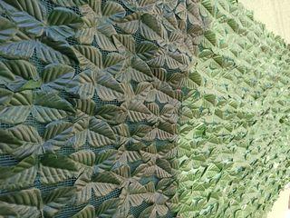 Декоративные листья на сетке Laurel Fence