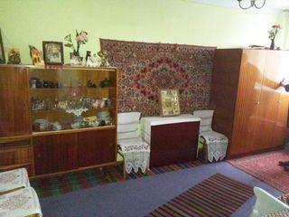 Квартира  в с.Быковец 2 комнаты 2 балкона 1 этаж автономное отопление Цена 13500 евро