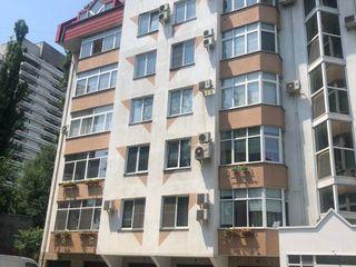 Centru, str. Ciuflea, 320mp, 2 nivele 220 000€