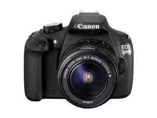 В идеальном состоянии Canon 1200D + универсальный объектив 18-55 со стабилизацией + сумка