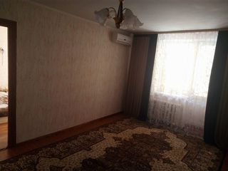 Se vinde apartament cu 3 camere, 70 m2,  str O. Ghibu, Buicani  casa din cotilet.