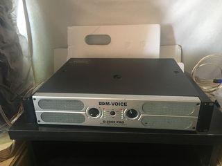 Amplificator ,, M-Voice '' - 2000 W. La pret de 230 euro !!!