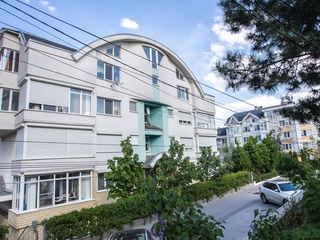 Glorinal! 3х комнатная квартира в Центре, одноподъездный дом
