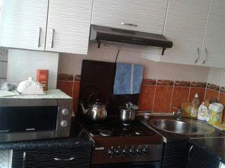 Продаем хорошую квартиру в пригороде Кишинева