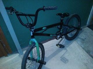 Продам трековый велосипед, дамский, шоссейный, горный, велосипеды из Германии.