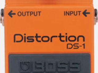 Distortion  Boss DS 1 Delay  Electro-Harmonix Memory Toy