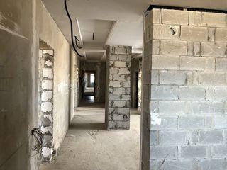 Penthouse. 335e/m2. Suprafata 170mp