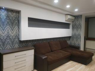 Продам 2-х ком квартиру с евроремонтом мебелью и бытовой техникой