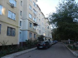 Apartament 1 odaie,  etajul 2 de mijloc, cotelet 22900 euro
