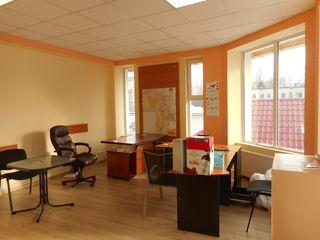 32 m2 de oficii, Buiucani, St. Neaga, 100 m de la Creanga