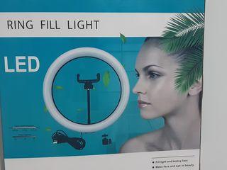 Lampa led circulară pentru sesiuni fotovideo
