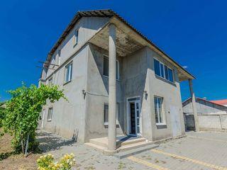 Ciorescu, spre vânzare casă, 200 m.p,  7 ari, 100 000 euro