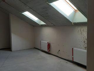 Apartamente cu 3,4 si 5 odăi la etajul 6 (tip mansarda 2 nivele) centru, 600 euro.