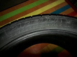 R21 Pirelli bune. Stau la păstrare nefolosite . Fără defecte sau crăpături.  290 eur pret bun.