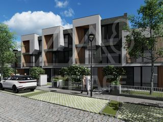 Vânzare townhouse în 3 nivele, 156 m2, 550 € / mp